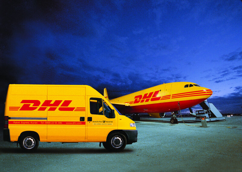 DHL_plane_and_van_03