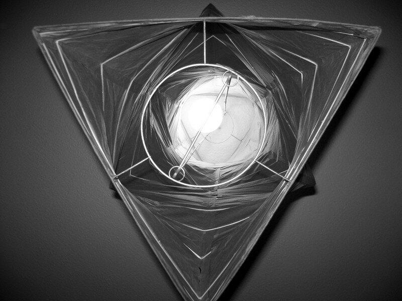 Lumière Triangulaire