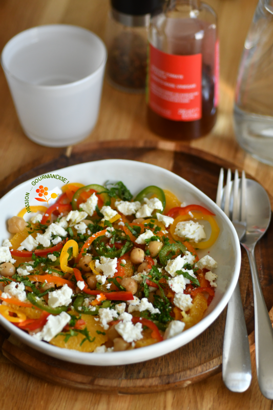 Salade pois chiches, poivrons, orange & feta_2