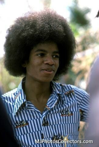 Michael-Jacksons-and-Bob-Marley-michael-jackson-18062367-325-480