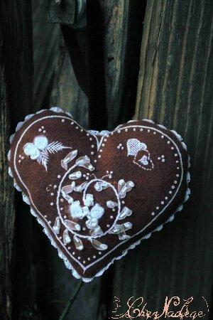 coeur de pain d epices brode_1