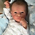 0002-Grayson, bébé éveillé,NON DISPONIBLE