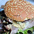 Hamburger de porc grillé et sa sauce asiatique