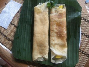 Crepes_au_mangue_sur_feuille_banane