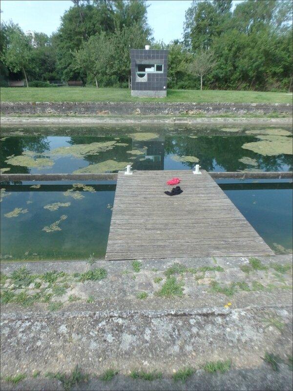 ville pont bois habits abandonnés effet lévitation 270517 1