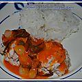 Boulettes de poulet, sauce aux petits oignons