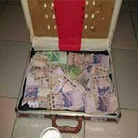 La valise magique pour devenir riche : Ses Avantages et Conséquences