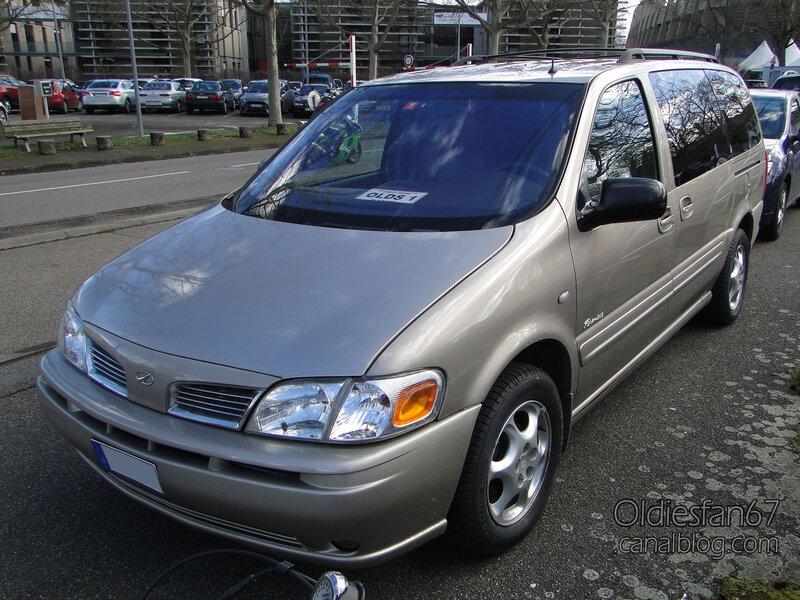 Oldsmobile Silhouette Premiere-2001-01