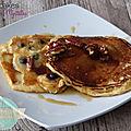 Pancakes aux mytilles et noix de pécan au sirop d'érable
