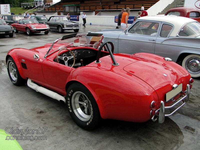 ac-cobra-427-1966-02