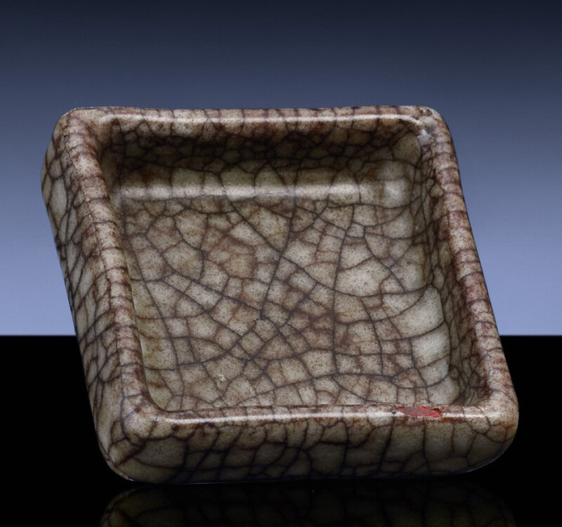 A rare Guanyao brushwasher, Southern Song dynasty, 12th-13th century (2)