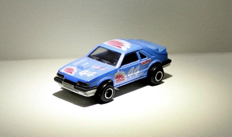Ford mustang SVO (ref 220) Majorette 01