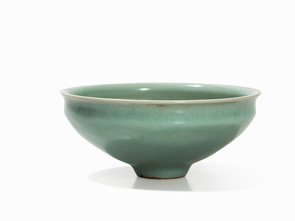 Celadon-Glazed Tea Bowl on a Narrow Foot Ring, late Song dynasty (960-1279)