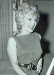 1954_04_15_Hollywood_031_Sit_010_Sofa_020