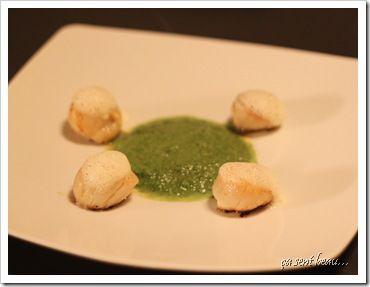 Noix de St Jacques snackées, velouté de mâche et wasabi, sur un air de chorizo-1