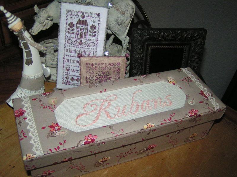 boite à rubans réalisée par Fabienne K.