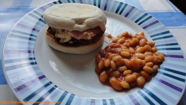 Muffins anglais façon sandwich oeufs-bacon