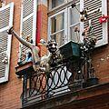 Balcon décoré rue du Paradoux