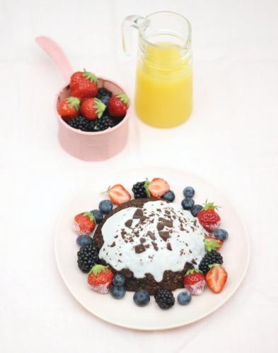 Bowl cake au chocolat et fruits rouges