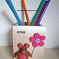 Pot à crayon 2: ourson et fleur