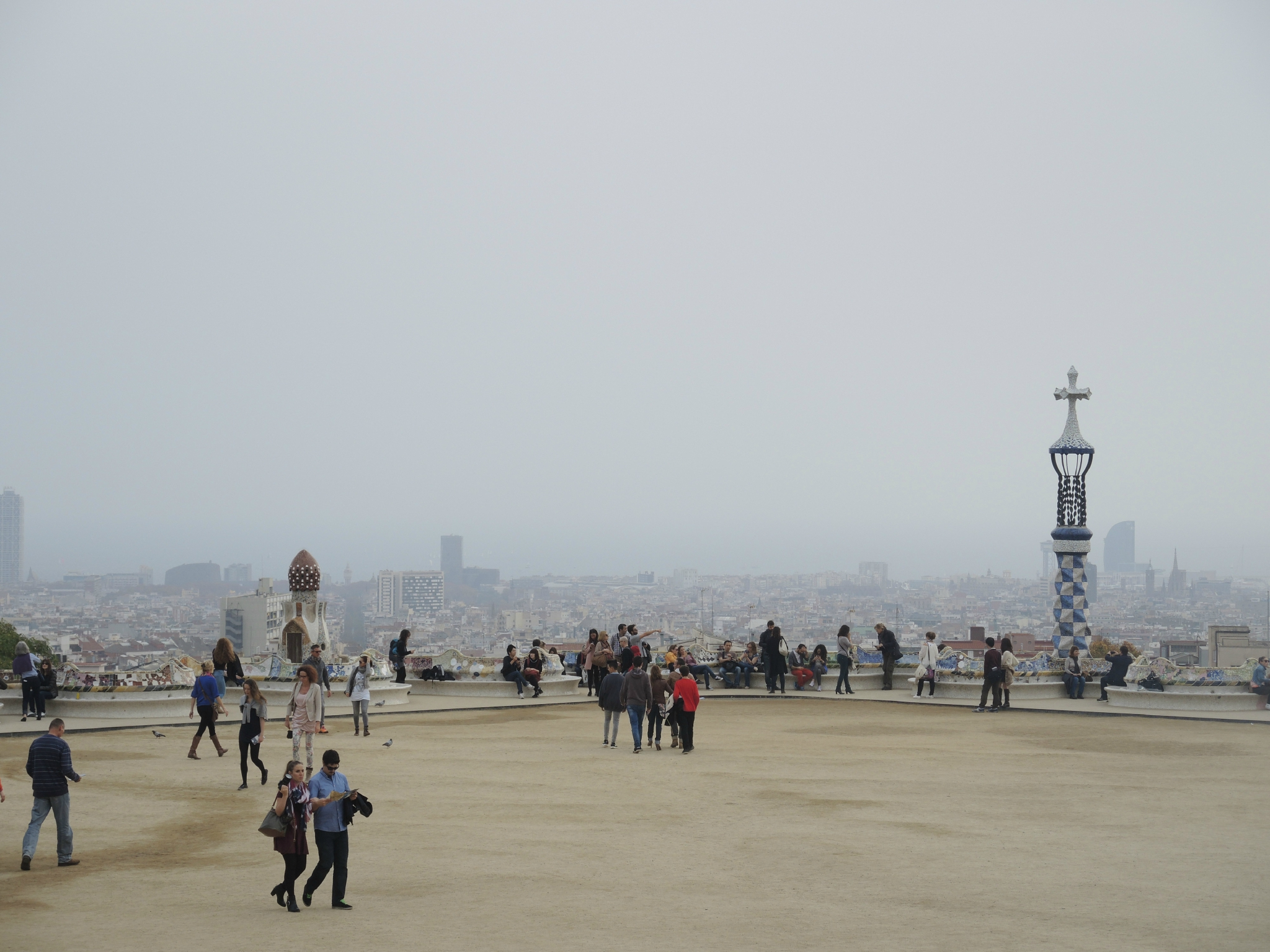 Barcelone, Parc Güell, terrasse panoramique (Espagne)