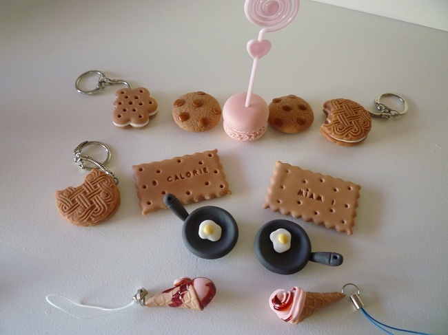 magnets et porte-clés biscuits