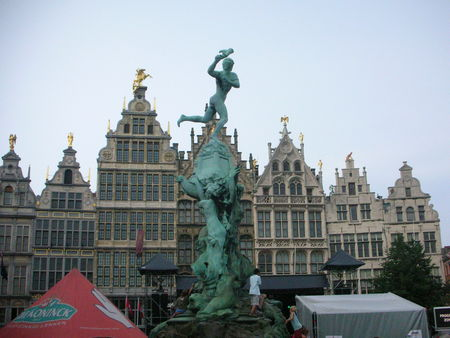 Grand_Place__Fontaine_Brabo