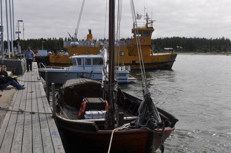 Le voilier qui nous emene de Holmon a Stora Fjäderägg