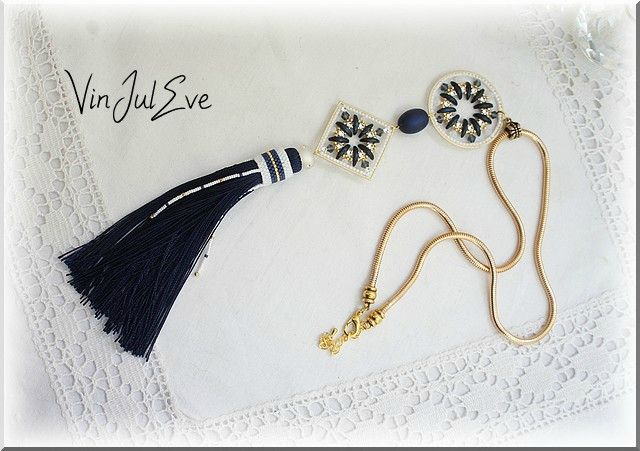collier crescent matine blanc or