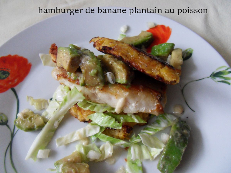 hamburger de banane plantain au poisson1