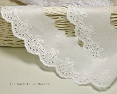 Broderie_anglaise_1