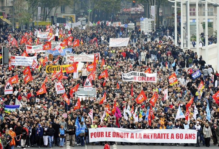 Manifestation-contre-reforme-retraites-conduite-Eric-Woerth-octobre-2010-Lyon_0_730_498