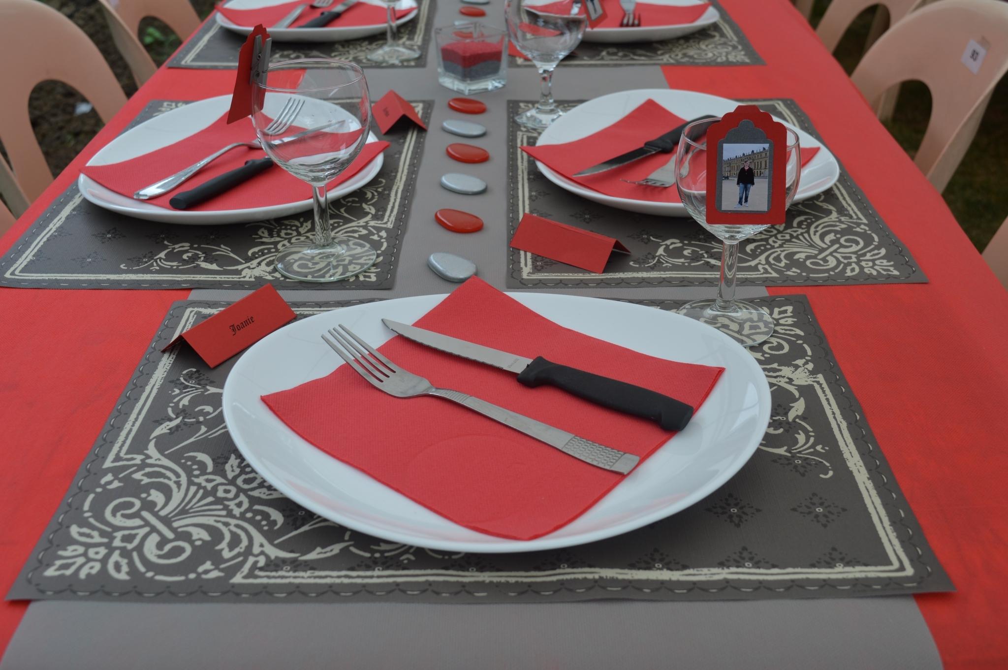 Décoration de table pour la fête surprise de mon fils
