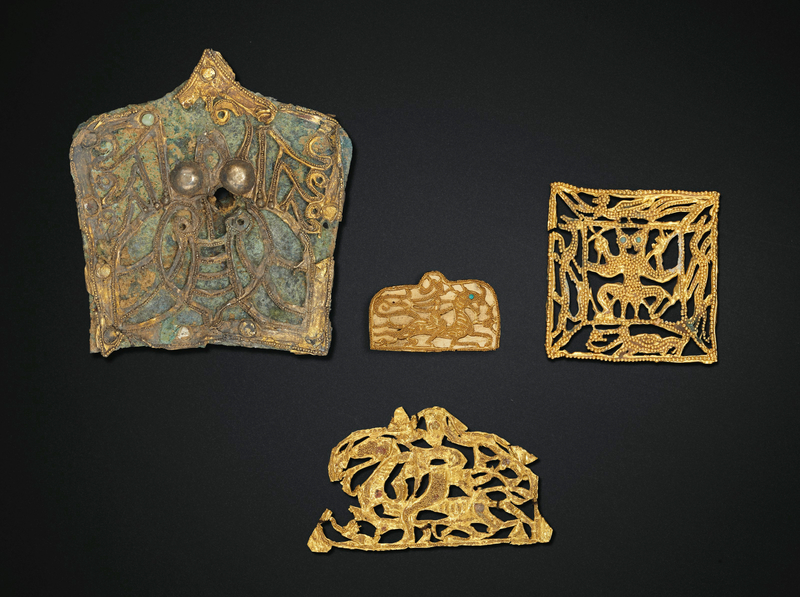 2019_NYR_18338_0528_000(four_small_gold_ornaments_eastern_han-six_dynasties_period_1st-4th_cen)