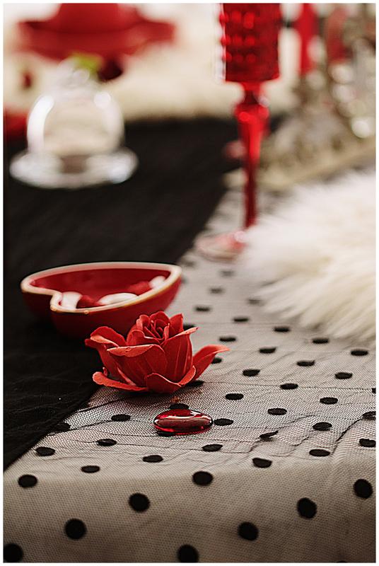 saint valentin-table-arts de la table-nicole passions- rouge-noir-rose-champagne