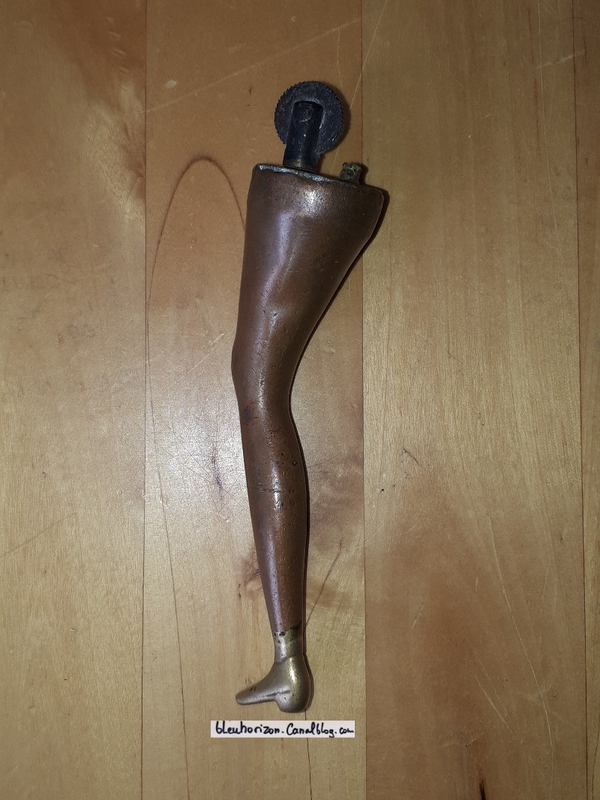 briquet jambe femme