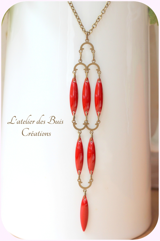Collier_indy_rouge_bordeaux