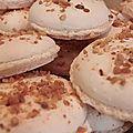 Macarons coques pralin croquant, ganache onctueuse à l'huile essentielle de mandarine !