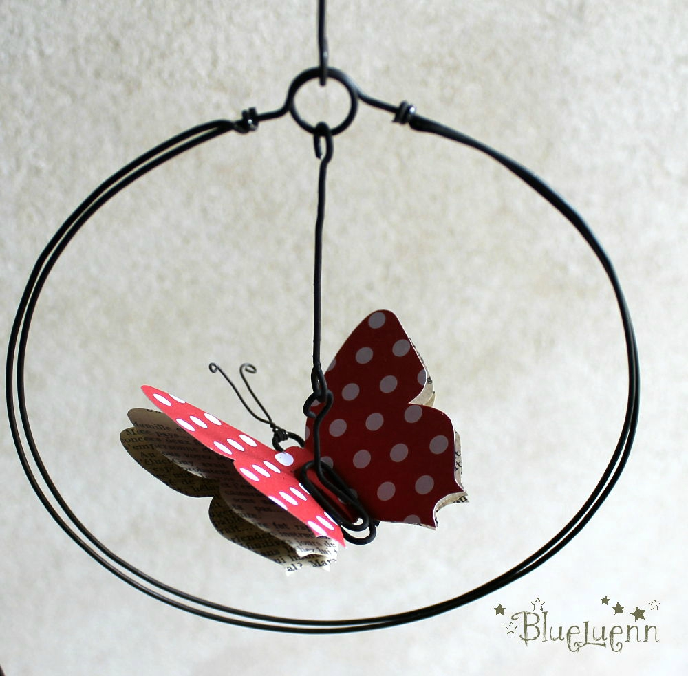 mobile papillon rouge pois blanc