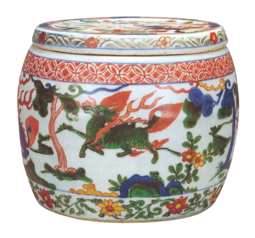 Wucai 'mythical beast' box and cover, mark and period of Wanli Collection of Iver Munthe Daae