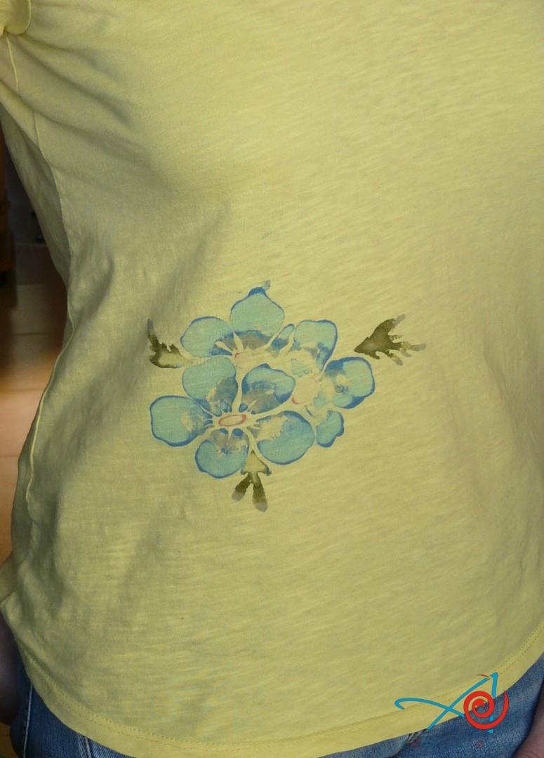 Tee-shirt peint au pochoir