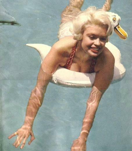 jayne_bikini_red-1958-05-cannes-by_philippe_le_tellier-01-2