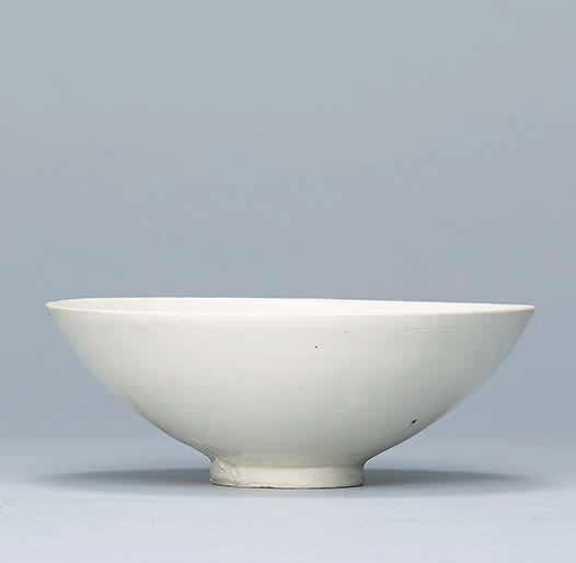 A Huozhou white-glazed bowl, Northern Song-Jin Dynasty (960-1234)