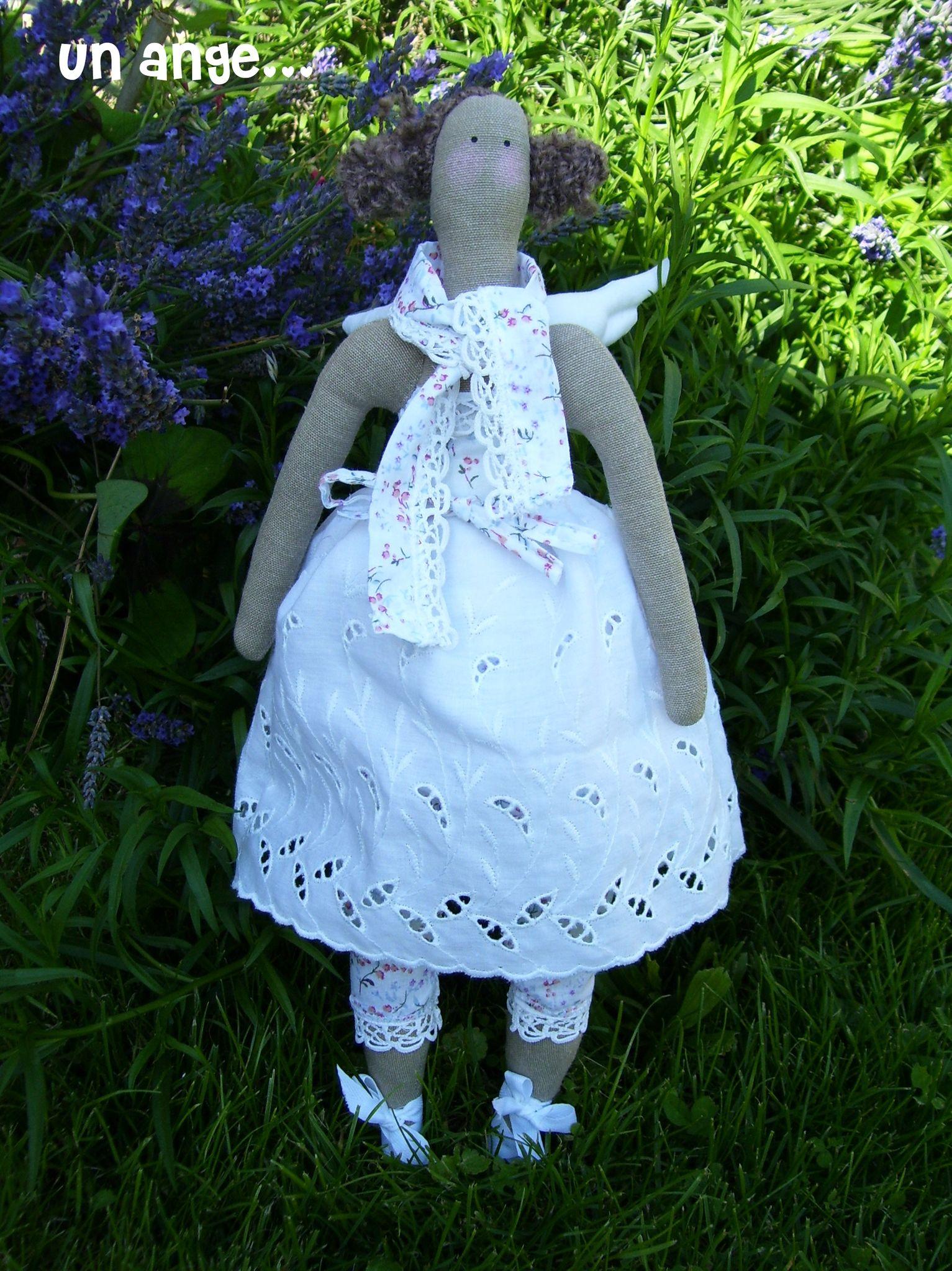 un ange romantique... au jardin