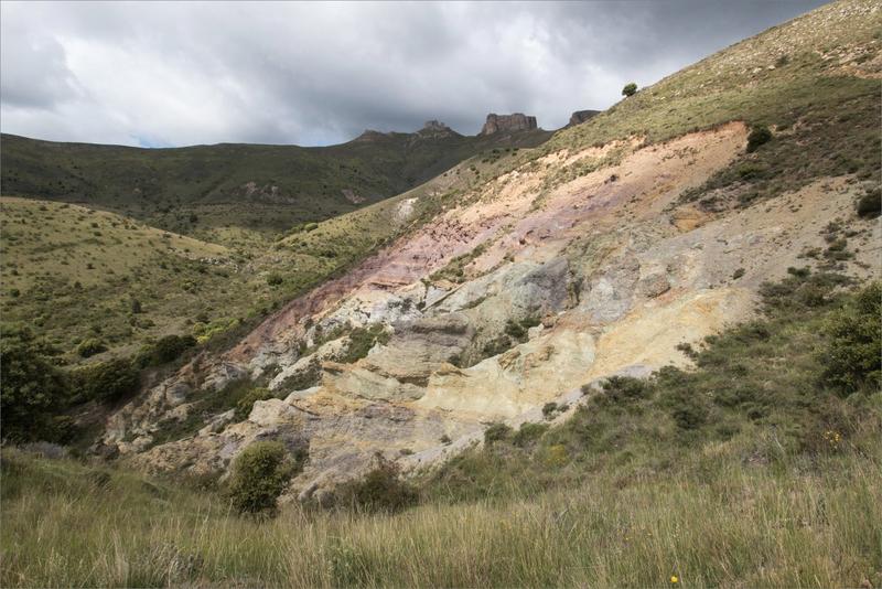 3 Aragon Moncayo Talamantes 120619 GA 50 ym 37 Peñas ciel noir strates minérales
