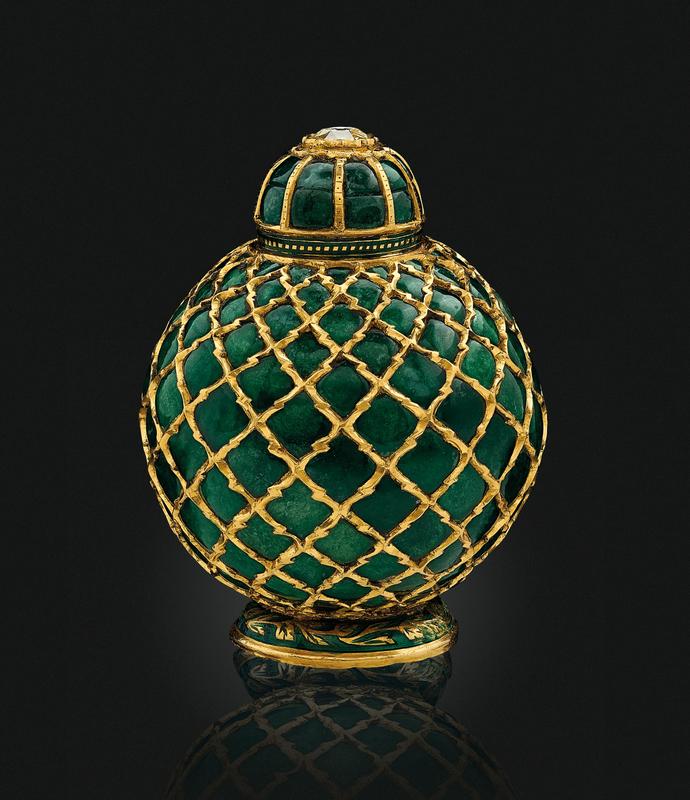 2019_NYR_17464_0320_000(an_emerald-set_gold_flask_india_circa_1800)