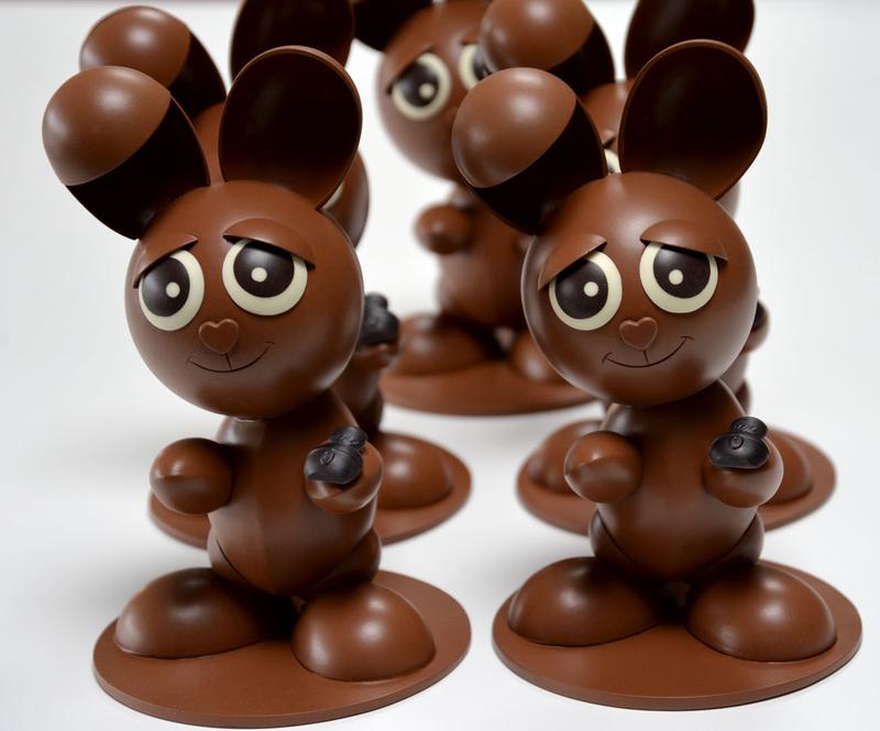 Lapin pâques en chocolat factice alimentaire