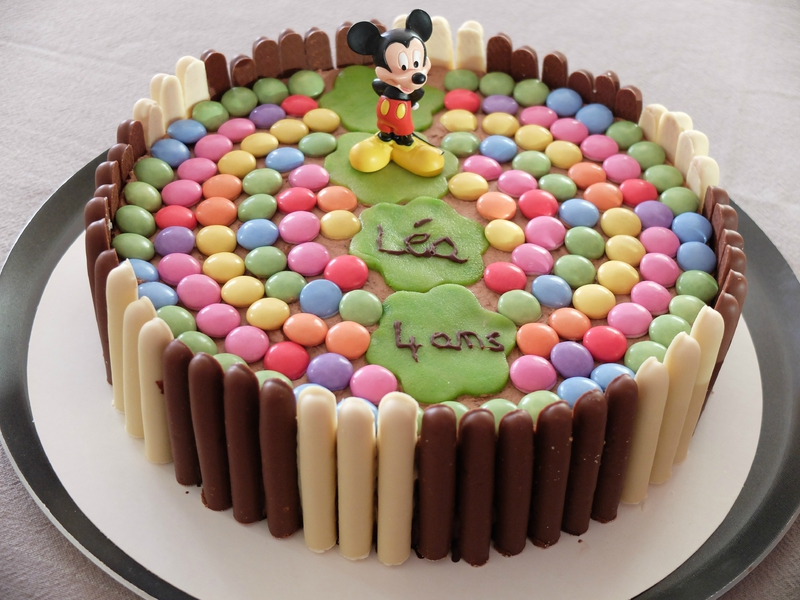 G teau d 39 anniversaire aux fingers et smarties th me mickey teatime gourmand - Gateau mickey facile ...