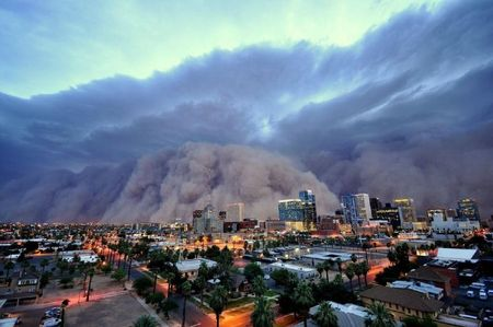 enhanced-buzz-wide-19951-1322854082-10 a monstrous dust storm (haboob) roared through phoenix, arizona in july