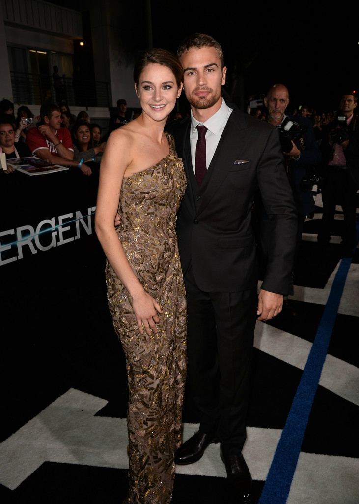 Shailene and Theo Divergent Premiere 01